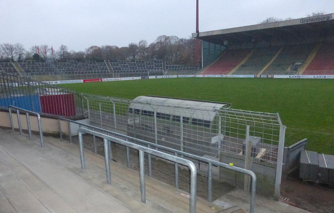 Grotenburg Stadion in Krefeld - Südtribüne Block P ...